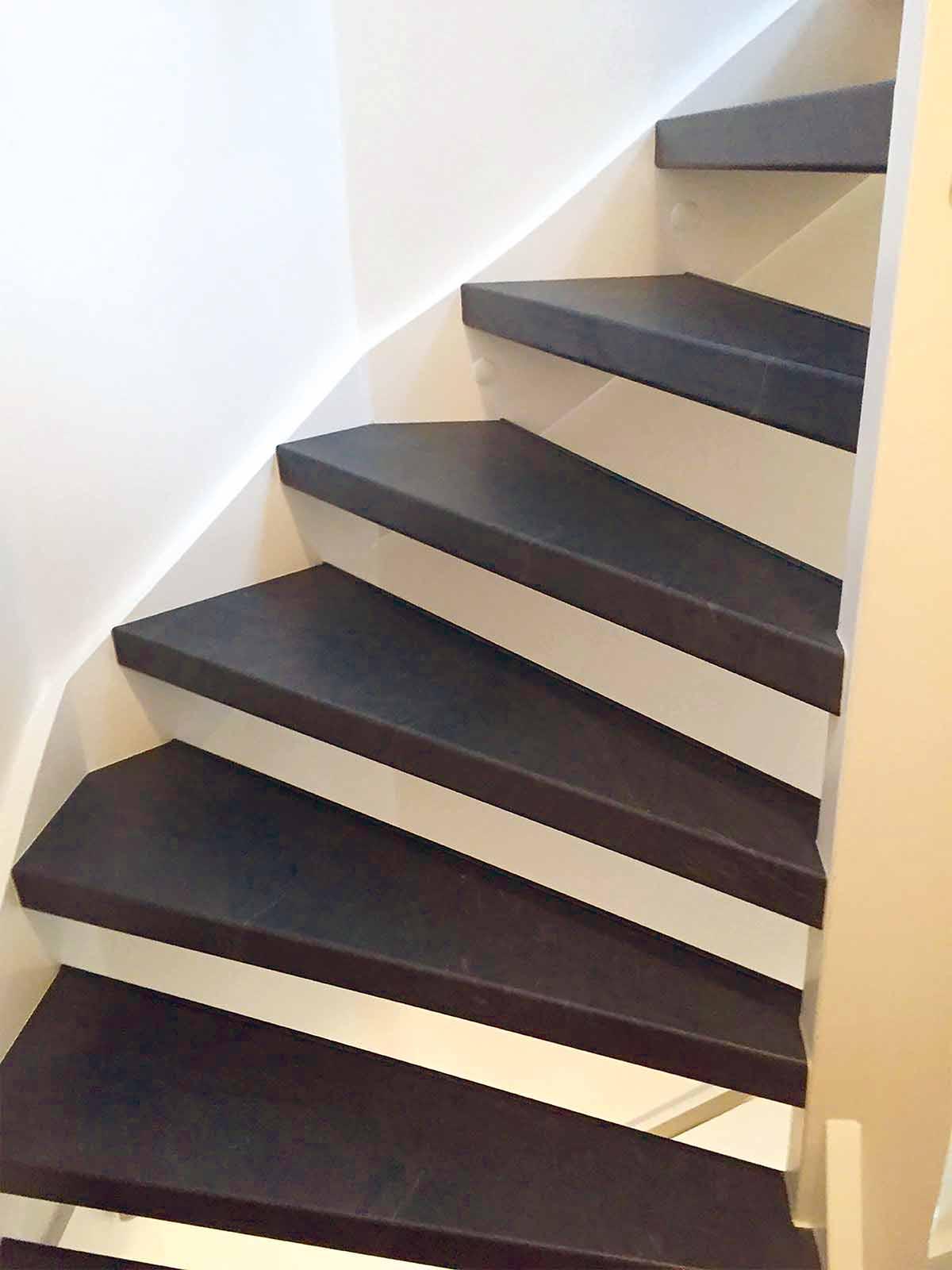 Een open trap kan ook met traprenovatie aangepakt worden.
